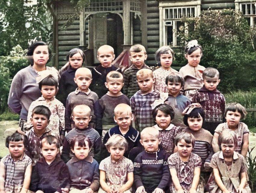 colorized image 11 1 850x642 - Дача Агеева Пионерская 10 в цвете